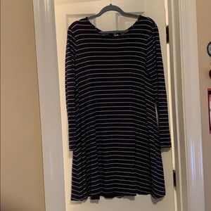 Long sleeve navy blue stripped dress
